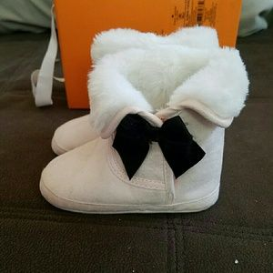 Kate Spade faux suede and fur baby boots